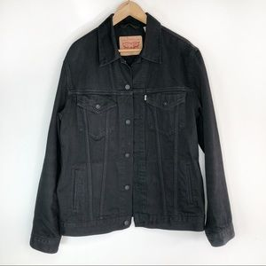 LEVI'S • black denim trucker jacket
